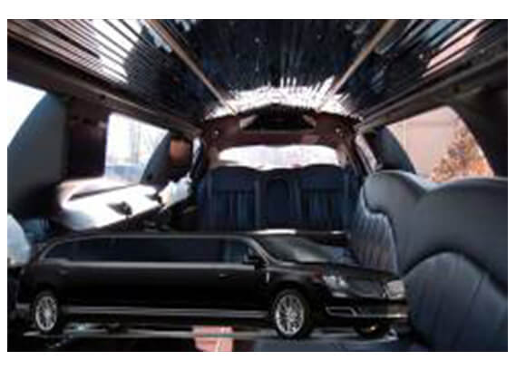 lincoln-mkt-stretch-black-interior