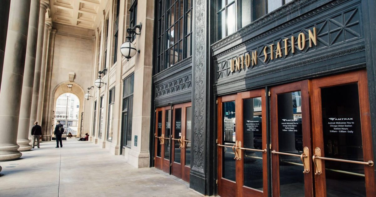 Car Service Union Station Chicago, SUV Limo Chicago