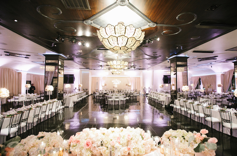 Wedding Limo Service Chicago Banquet Hall, Wedding Transportation Service, We're Here to Take you to your wedding banquet hall, just call us, plan your wedding day