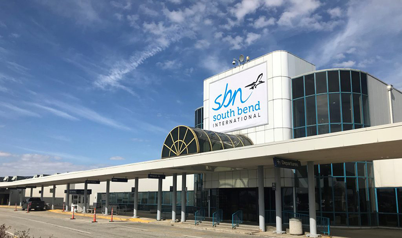 Limo Service South Bend, Limo to SBN South Bend Airport, South Bend Airport Transportation, Limo Service Indiana, South Bend Airport Car Service, Bus to South Bend Airport