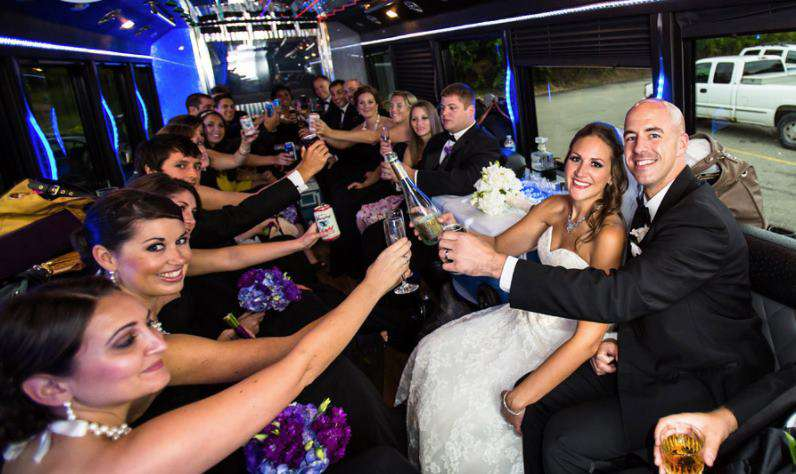 Chicago Wedding Shuttle Service, Chicago Limo Bus
